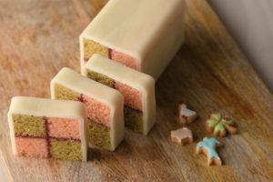 切り口の市松模様が華やかなイギリスの伝統菓子
